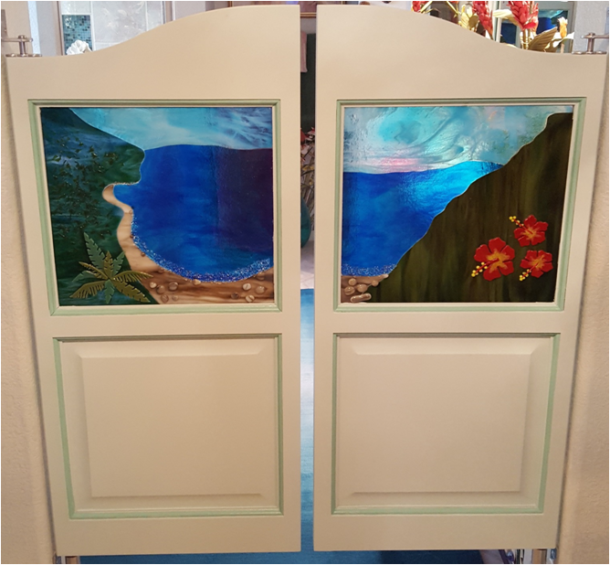 custom-glass-kit-saloon-doors.png